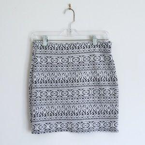 3/$25 H&M tribal black white bandage mini skirt